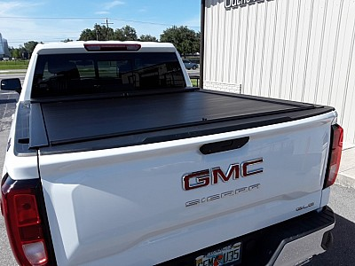 2019 GM new body style Roll n Lock A series aluminum tonneau cover