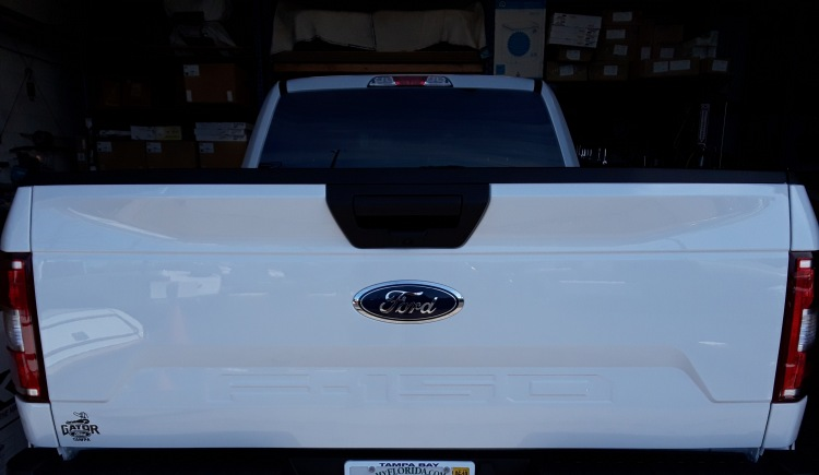Brand new 2019 Ford F150 aluminum factory tailgate YZ OXFORD WHITE