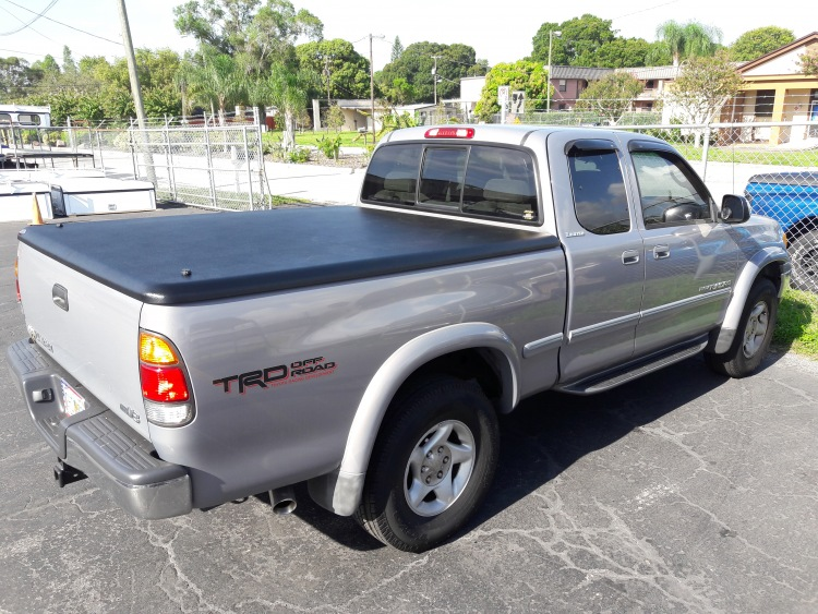 1999 - 2006 Toyota Tundra Undercover Classic tonneau covers
