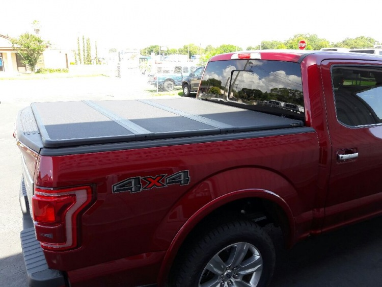 EXTANG SOLID FOLD 2.0 TONNEAU COVER TRI FOLD