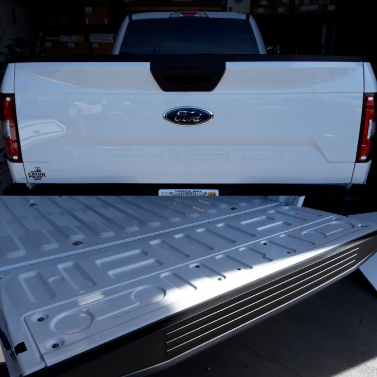 2019 Ford F150 aluminum factory tailgate YZ oxford white