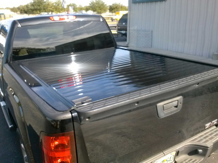 Chevrolet GMC Retrax Pro tonneau covers