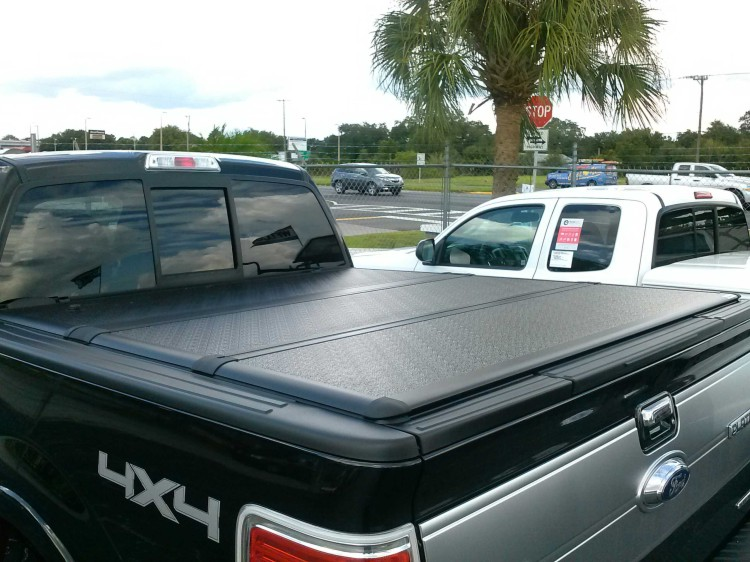 Extang Encore Tri Fold Hard Panel Tonneau Cover