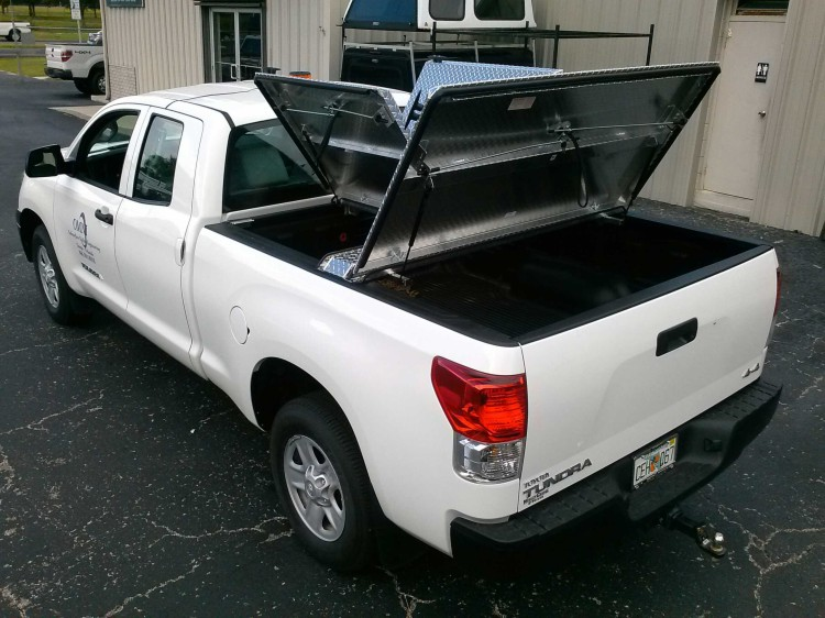 Diamondback Tonneau Cover >> DiamondBack 270 Tri Fold Aluminum Tonneau Cover : New : Tonneau Covers : Emery's Topper Sales Inc.