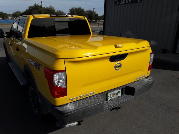 Nissan TITAN ARE LS2 fiberglass tonneau covers